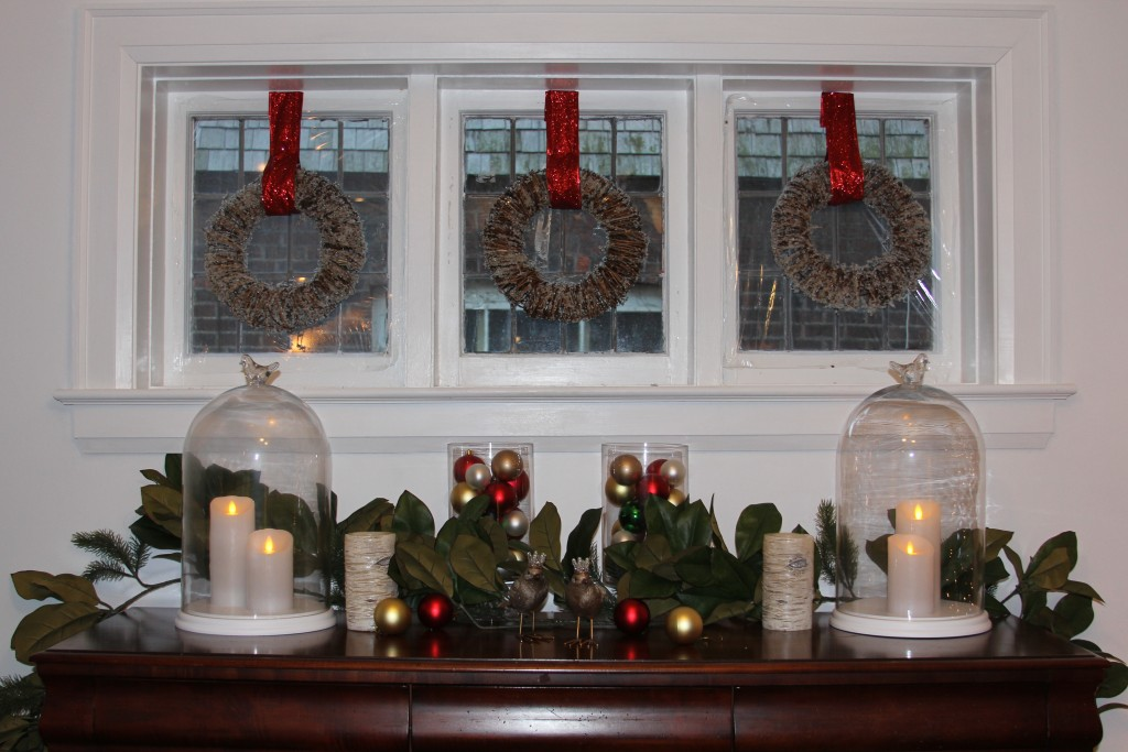 Easy christmas window decorating ideas simply linda for Easy christmas home decorations